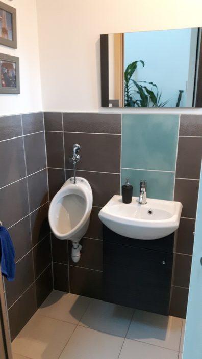 Pose du lave-main et de l'urinoir